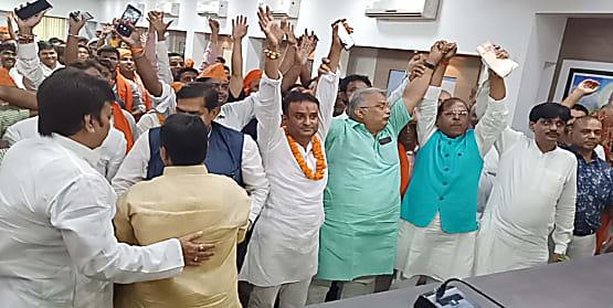 बिहार बीजेपी मुख्यालय में आज भी बड़ी संख्या में लोगों ने पार्टी की ली सदस्यता,नित्यानंद राय समेत कई नेता रहे मौजूद