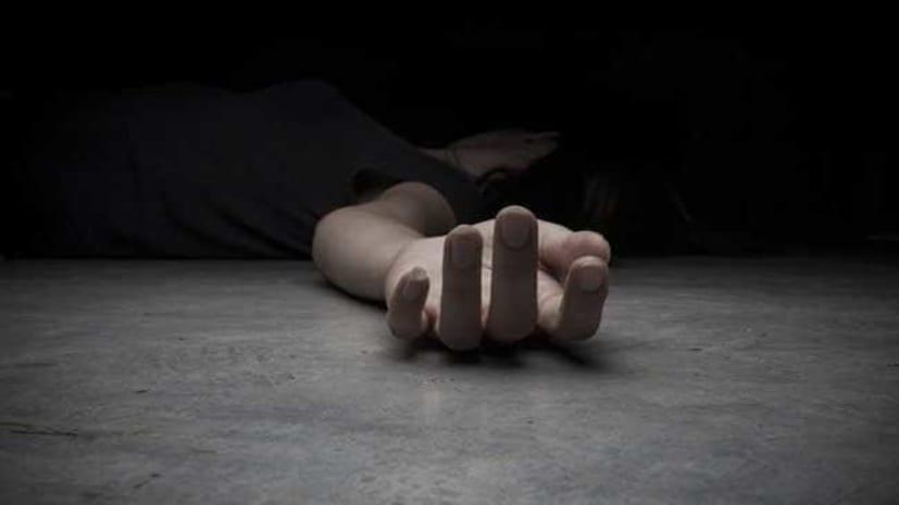 अपराधियों का तांडव, घर में घुसकर महिला की गला रेतकर हत्या