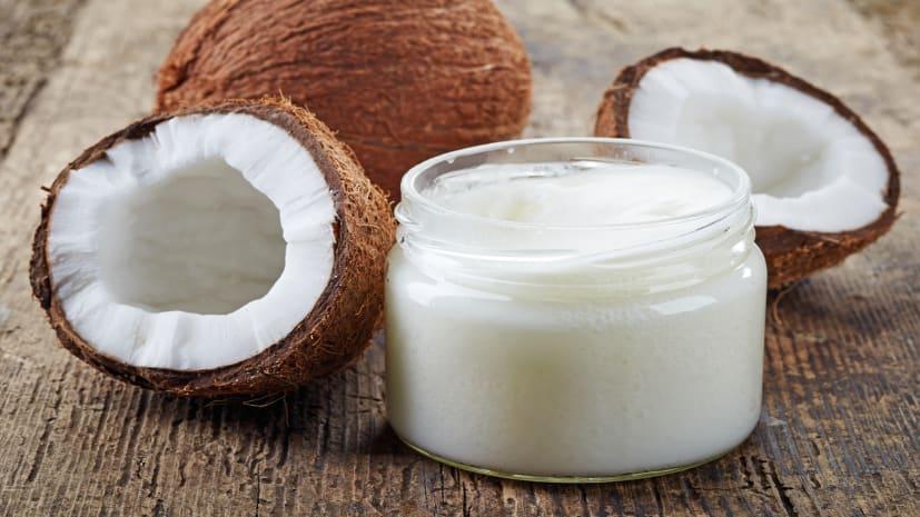 नारियल तेल के फायदे जानिये ,जानकर हैरान हो जाएंगे आप