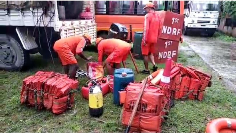 एनडीआरफ की टीम पहुंची कटिहार, बाढ़ में फंसे लोगों का रेस्क्यू ऑपरेशन शुरू