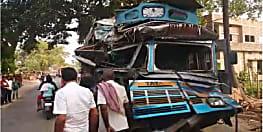 दो ट्रकों के बीच आमने सामने की हुई टक्कर, एक ड्राईवर की मौत