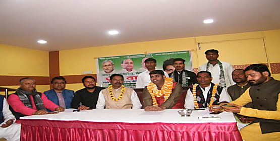 जेडीयू में शामिल हुए ई. प्रेम कुमार चौधरी, कहा- सीएम नीतीश के राज में बिहारी कहलाना है स्वाभिमान की बात