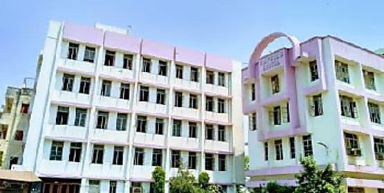 बी.डी पब्लिक स्कूल में राष्ट्रपिता महात्मा गांधी और देश के दूसरे प्रधानमंत्री लाल बहादुर शास्त्री को किया गया नमन