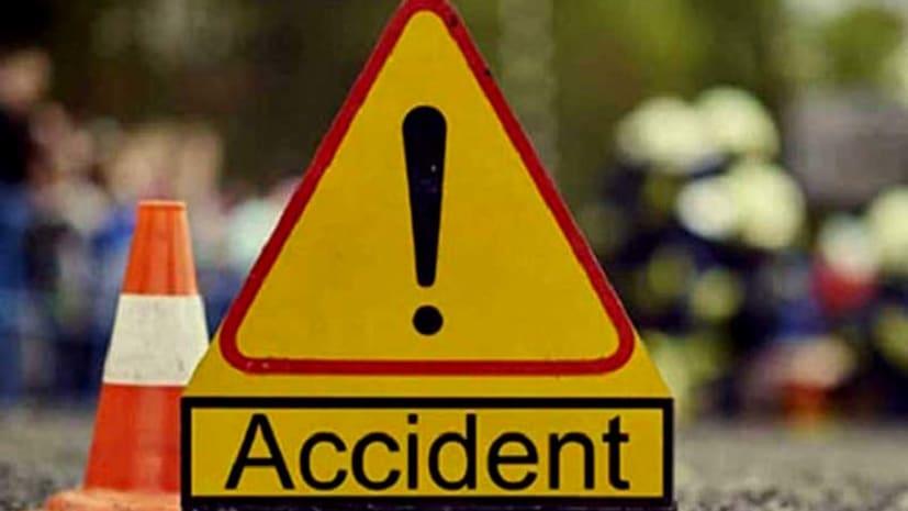 नवादा में अज्ञात वाहन की चपेट में आये बाइक सवार, दो की मौत