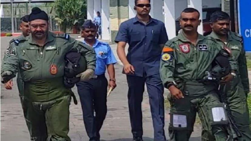 फिर आकाश में विंग कमांडर अभिनंदन, IAF प्रमुख धनोआ के साथ मिग-21 फाइटर प्लेन 30 मिनट तक उड़ाया