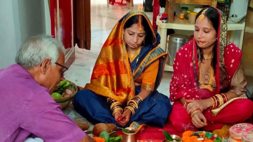 हरितालिका तीज आज, पति की लम्बी आयु के लिए महिलाओं ने किया है निर्जला व्रत