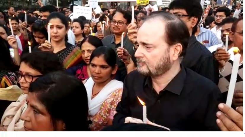 हैदराबाद गैंगरेप मामले को लेकर चिकित्सकों ने निकाला कैंडल मार्च, मृतका को न्याय दिलाने की मांग