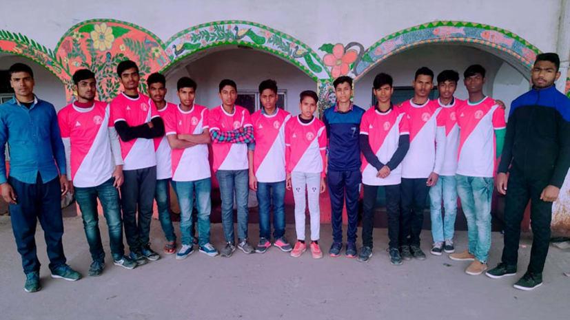 कल से मोतिहारी में होगा सब जूनियर बालक कबड्डी प्रतियोगिता का आयोजन, रवाना हुई मधेपुरा की टीम