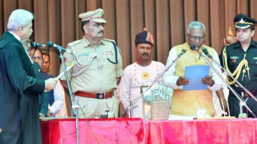 फागू चौहान ने बिहार के राज्यपाल  पद की ली शपथ, सीएम नीतीश समेत कई मंत्री रहे मौजूद
