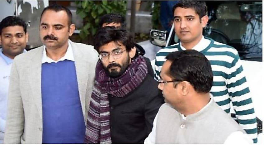 देशद्रोह के आरोपी शरजील इमाम 5 दिन की पुलिस रिमांड पर, कोर्ट कैम्पस में लगे फांसी दो के नारे