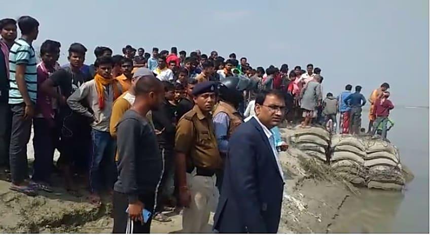 गोपालगंज में बड़ा  हादसा : गंडक में पलटी नाव, दर्जन भर लोग लापता, रेस्क्यू ऑपरेशन जारी