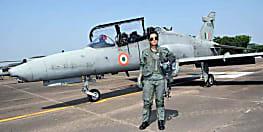 मोहना सिंह ने रचा इतिहास, हॉक जेट उड़ाने वाली पहली महिला पायलट बनी