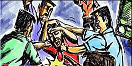 हैवानियत की हद : नावादा में एक पैकेट बिस्कुट की चोरी के आरोप में नाबालिक को पोल से बांधकर पीटा