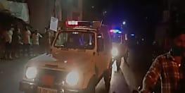 लॉकडाउन का पालन करवाना पुलिस को पड़ा महंगा, मस्जिद में नमाज रोकने गए पुलिसकर्मियों पर उपद्रवियों ने बरसाया पत्थर