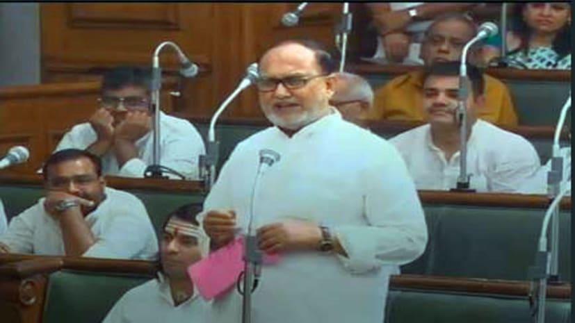 राजद विधायक अब्दुल बारी सिद्दकी ने केन्द्रीय स्वास्थ्य मंत्री हर्षवर्धन पर बोला हमला, कहा-बिहार के साथ कर रहे हैं मजाक