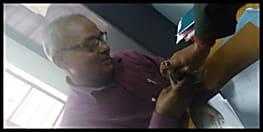 रजिस्ट्री ऑफिस में धड़ल्ले से चल रही थी रिश्वतखोरी, वीडियो वायरल