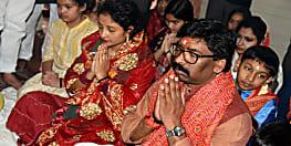 मुख्यमंत्री हेमंत सोरेन पहुंचे विंध्याचल मंदिर, कहा झारखण्ड के विकास के लिए माँगा आशीर्वाद
