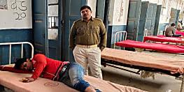 नवादा में चोरी के आरोप में युवक की जमकर पिटाई, अस्पताल में चल रहा है इलाज