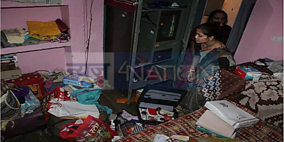 नवादा में अब बेखौफ चोरो का तांडव, ब्लॉक परिसर स्थित लिपिक के घर से उड़ा डाले लाखों रुपये के सामान और नगद