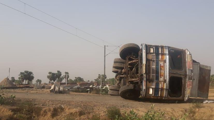 किउल गया रेलखंड पर मेमू ट्रेन और ट्रक के बीच हुई टक्कर, ट्रक चालक जख्मी