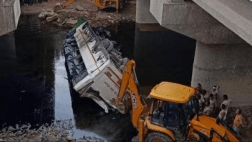 यमुना एक्सप्रेस-वे पर बड़ा हादसा,बस दुर्घटना में 29 यात्रियों की मौत