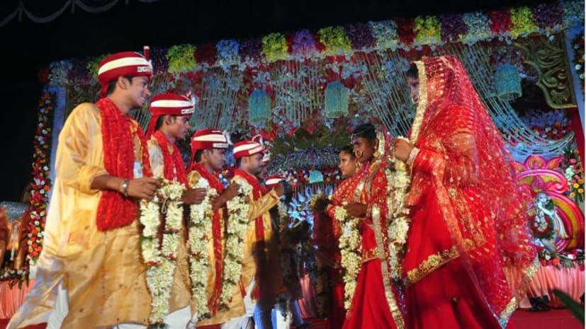 मां वैष्णो देवी सेवा समिति की ओर से आयोजित सामूहिक विवाह समारोह में 51 जोड़े शादी के बंधन में बंधे