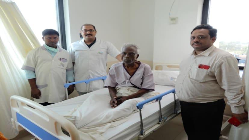 पारस हॉस्पिटल दरभंगा में पित्त की नली का पत्थर बिना ऑपरेशन निकाला गया