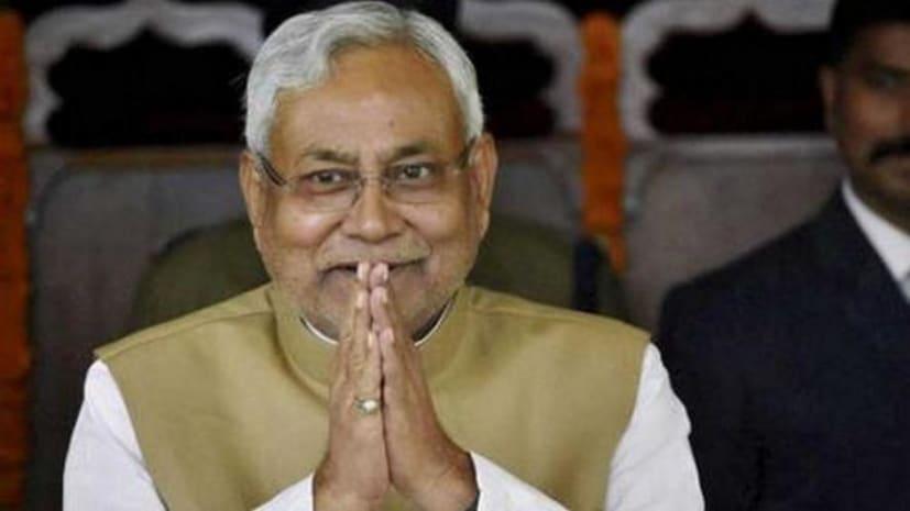 सीएम नीतीश कुमार से तीन बड़ी कंपनी के प्रतिनिधियों ने की मुलाकात,मुख्यमंत्री राहत कोष में दिए 15 करोड़ का चेक