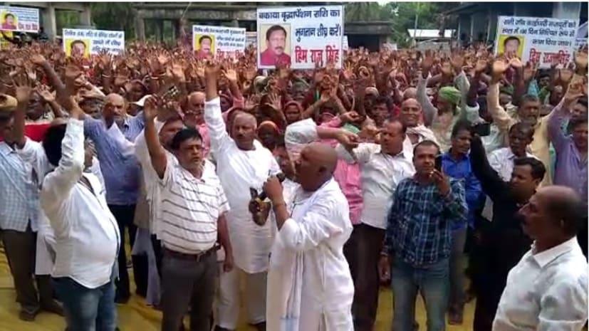आर-पार के मूड में उतरे पूर्व मंत्री हिमराज सिंह, बाढ़ राहत की राशि नहीं मिलने का मामला