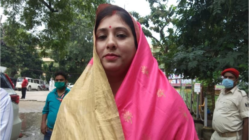 जनतांत्रिक विकास पार्टी की प्रत्याशी आरती देवी ने किया नामांकन, कहा नोखा को कुशल नेतृत्व की आवश्यकता
