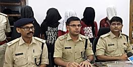 डकैती के मामले का पुलिस ने किया पर्दाफाश, हथियार के साथ पांच को किया गिरफ्तार