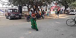 नगर निगम की महिला सफाई कर्मी ने नशे में किया हाईवोल्टेज ड्रामा