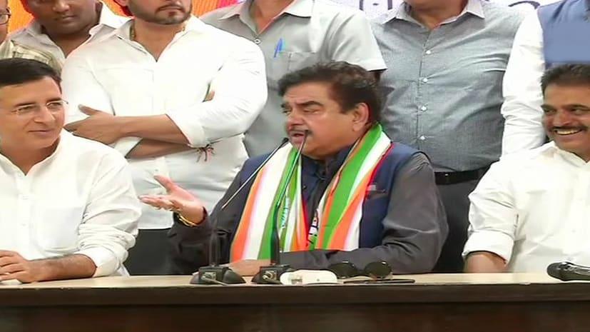 कांग्रेस में शामिल होते ही पार्टी ने शत्रुघ्न सिन्हा को थमाया टिकट, पटना साहिब में बीजेपी के रविशंकर प्रसाद से मुकाबला