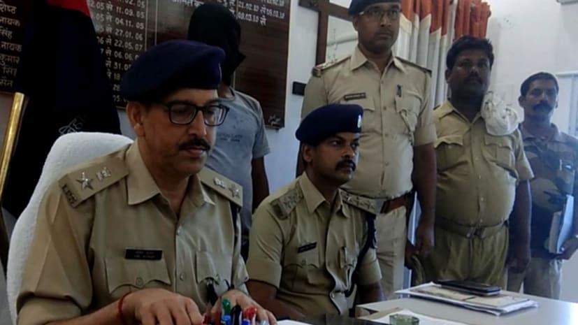 सीतामढ़ी में चावल व्यवसायी लूट मामले में हुआ खुलासा, हथियार के साथ एक गिरफ्तार