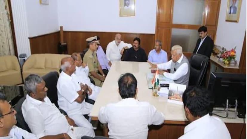संकट में कर्नाटक सरकार, कांग्रेस- जेडीएस के 14 विधायकों ने दिया इस्तीफा