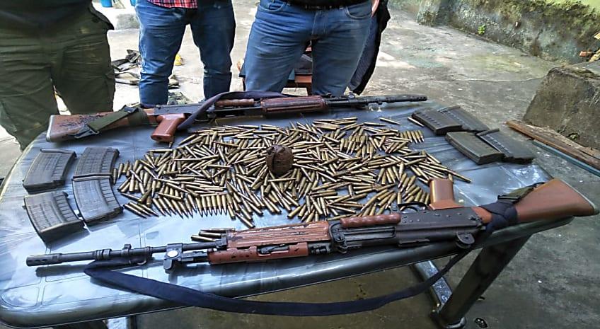 झारखंड पुलिस को मिली बड़ी सफलता, दुमका से भारी मात्रा में हथियार और गोला बारुद बरामद