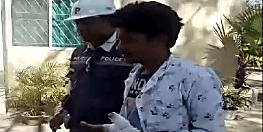 राजधानी के व्यस्त चौराहे पर दिनदहाड़े लूट की कोशिश, चाक़ू से हमले के बीच एक अपराधी धराया