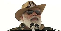 PM मोदी ने सैनिकों के साथ मनाई दिवाली,बोले- आप हैं तो देश है...
