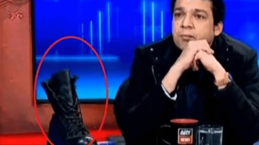 पाकिस्तान में सेना के बूट पर बवाल, स्टूडियो में जूता दिखाकर बोले मंत्रीजी- इसे चूम लो जनाब