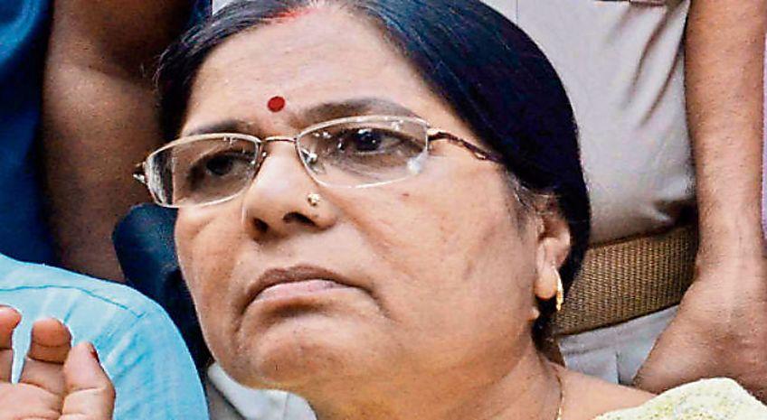 मंजू वर्मा को एक और झटका, कुर्की जब्ती का आदेश जारी