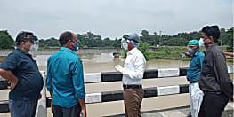 दरभंगा में बागमती तटबंध टूटने की खबर गलत, सिर्फ तीन जगहों से पानी का हो रहा रिसाव : जिलाधिकारी