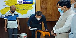 शाहनवाज हुसैन ने देखा 'इथेनॉल कुकिंग स्टोव' का डेमो, कहा- इथेनॉल उत्पादन में बिहार को अग्रणी राज्यों में शामिल करने का है लक्ष्य