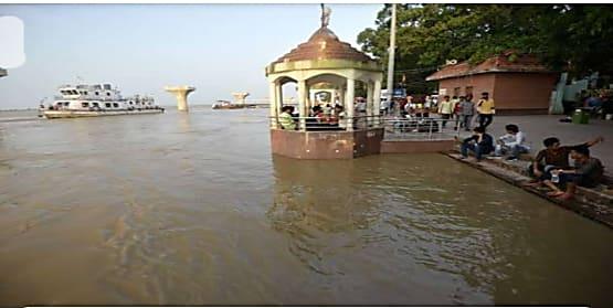 गंगा समेत कई नदियां उफान पर, पटना में खतरे के निशान से 30 सेंटीमीटर ऊपर बह रही है गंगा...