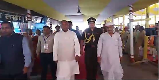 राज्यपाल फागू चौहान पहुंचे गया, विष्णुपद मंदिर के प्रांगण में पितरों की आत्मा की शांति के लिए किया पिंडदान