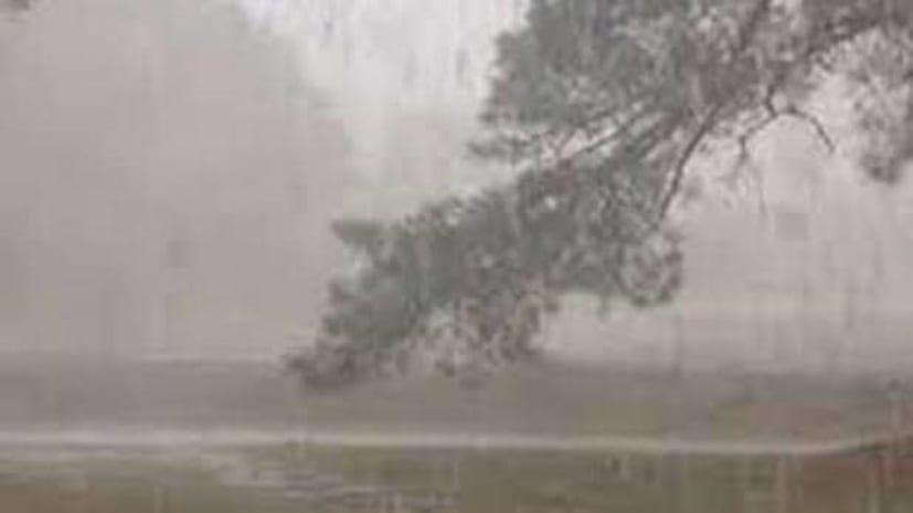 तेज़ आंधी-तूफान में 31 लोगों की मौत, आज भी कई जगहों पर अलर्ट जारी