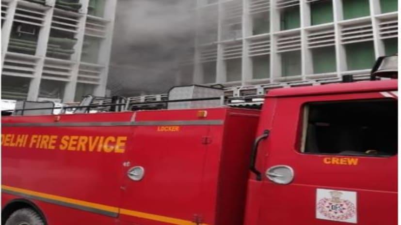 दिल्ली के एम्स अस्पताल में शॉर्ट सर्किट की वजह से लगी आग, दमकल की टीम मौके पर