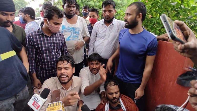 चिराग पासवान की राजनीतिक 'कमाई' की खुल गयी पोल-पट्टी, पटना में आज कोई भी बड़ा नेता नहीं आया सामने, तस्वीर ही सबकुछ बयां कर रहा...