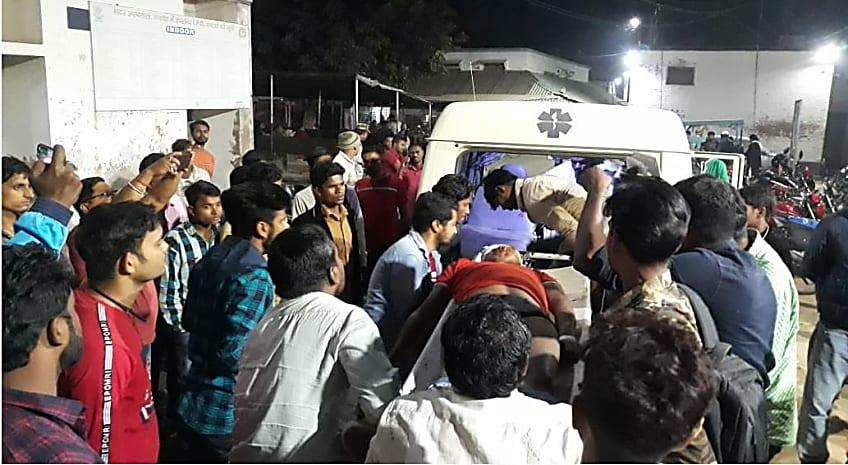 नवादा में रफ्तार का कहर : तेजरफ्तार पिकअप ने आधा दर्जन लोगो को रौंदा, एक की मौत