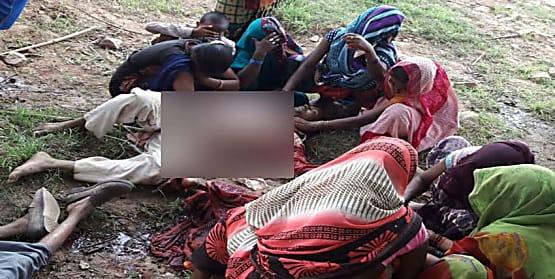 सोनभद्र नरसंहार मामला : बिहार के इस पूर्व आईएएस अधिकारी का जुड़ रहा नाम