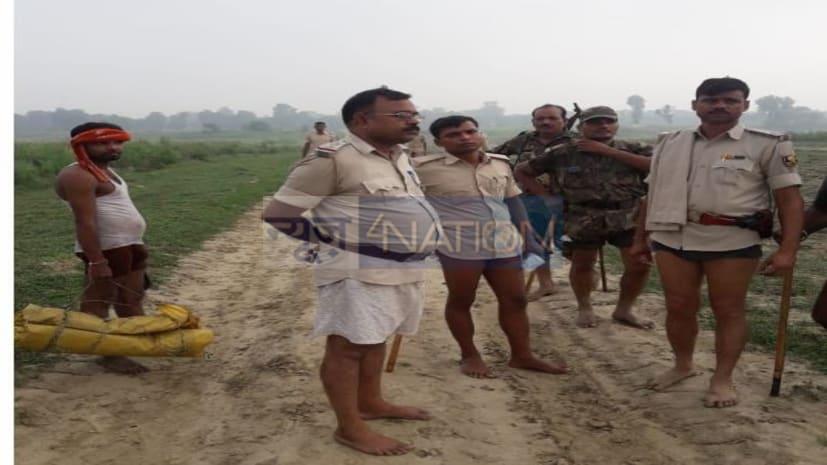 अंडरवियर वाले बिहार पुलिस के जवानों का एक्शन देखिए, आखिर क्यों खोलना पड़ा पैंट...